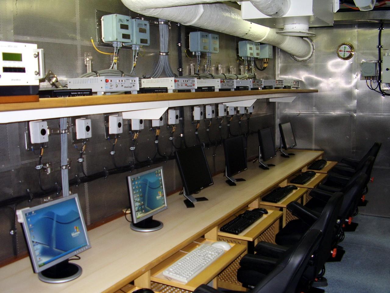 compartimento-de-comunicacoes.JPG