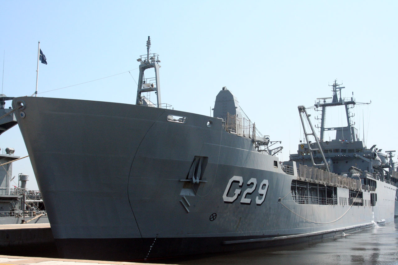 Navio de Desembarque de Carros de Combate (NDCC) Garcia D'Ávila