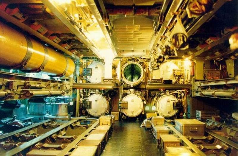 tr-1700-torpedo-room.jpg