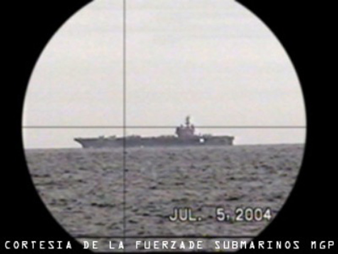 uss_ronald_reagan-desde-periscopio-de-u209-mgp-en-siforex-2004-cortesia-de-mgp