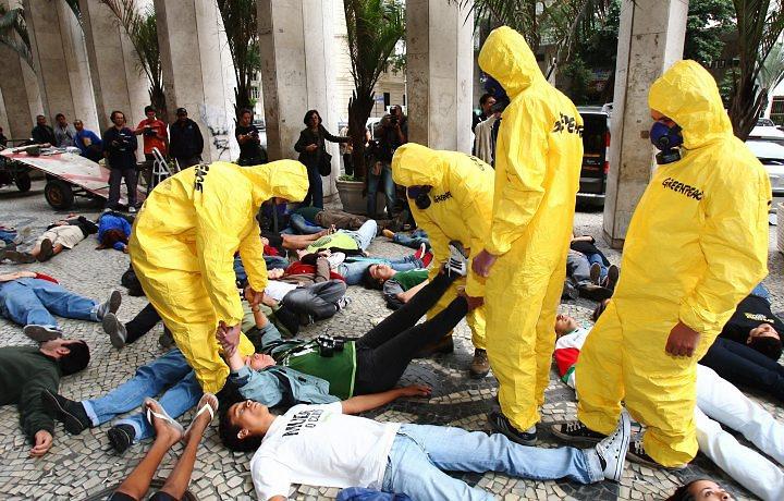 protesto-greenpeace-foto-o-globo-ivo-gonzalez