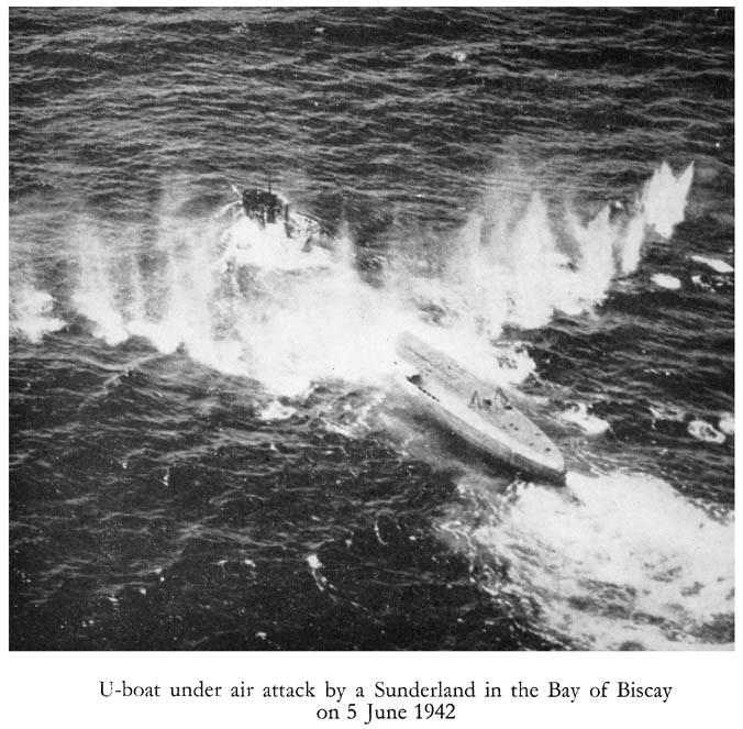 U-Boat sob ataque aéreo