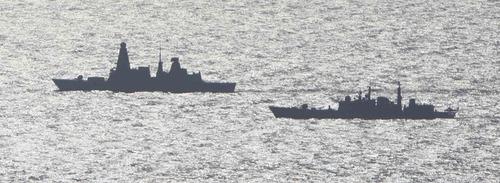 Type 45 e Type 42 - foto RN