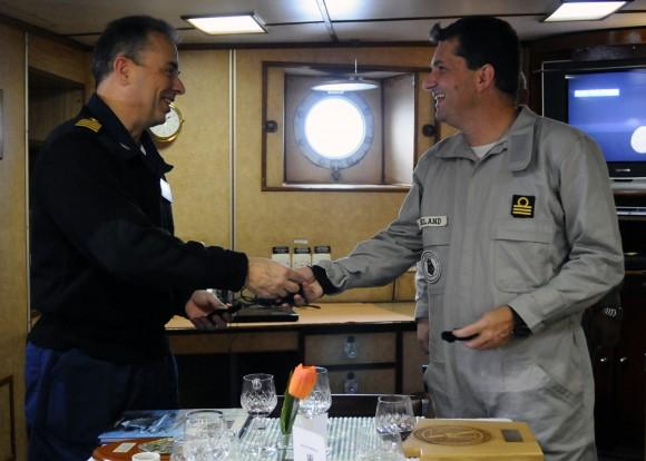 CF Wielnd e Capt. Jacobs a bordo da F-44
