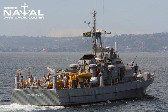 Navio-Varredor Araçatuba (M18)