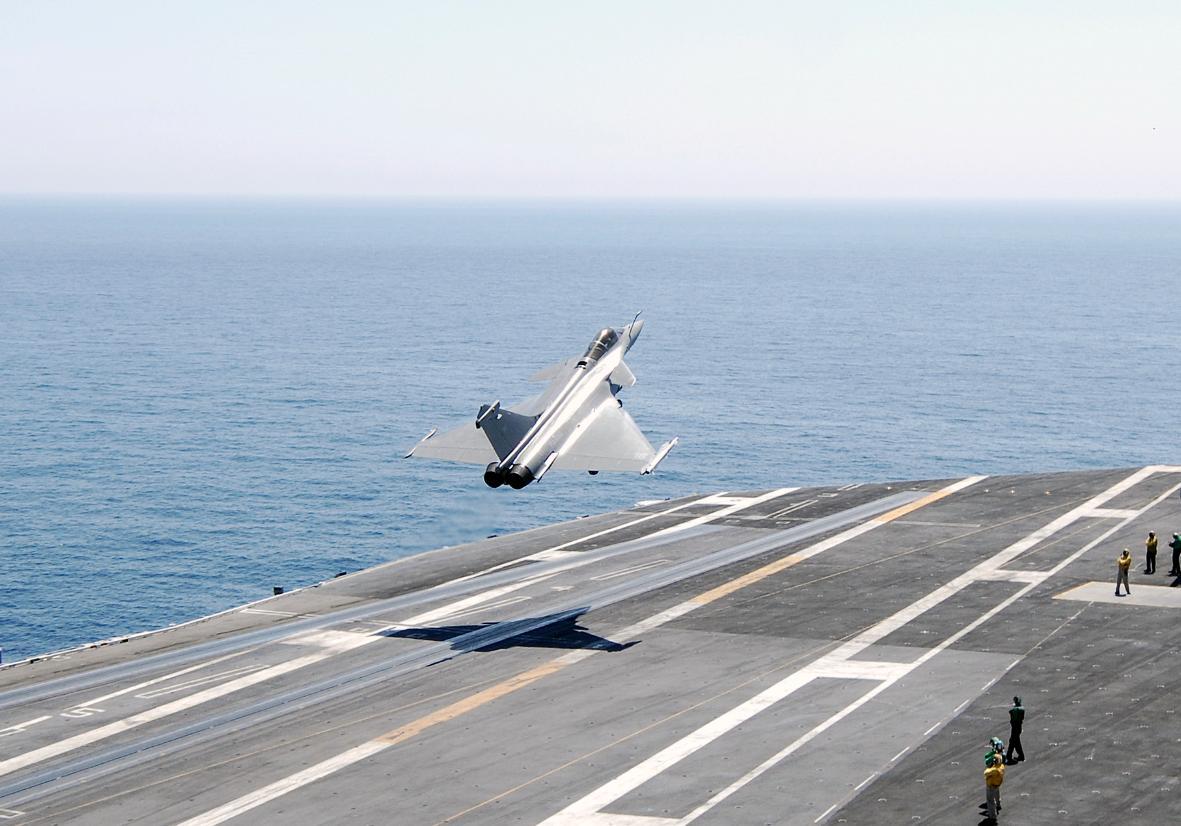 USS Harry S Truman CVN 75 com Rafale - foto USN