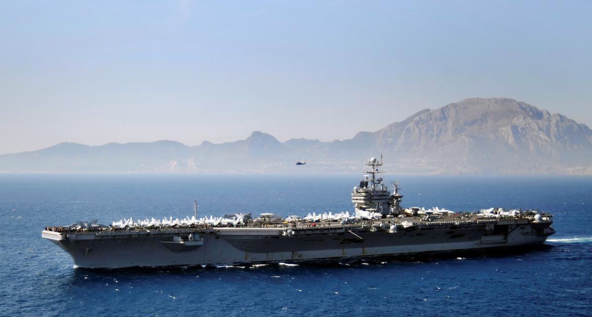 USS Harry S Truman CVN 75 em Gibraltar - foto USN