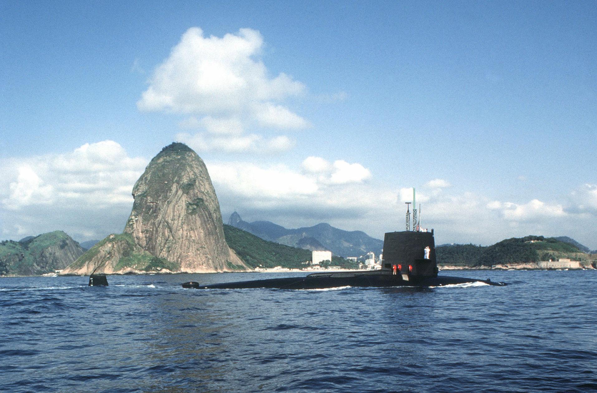 Submarino nuclear USS Snook visitando o Rio de Janeiro durante operação UNITAS