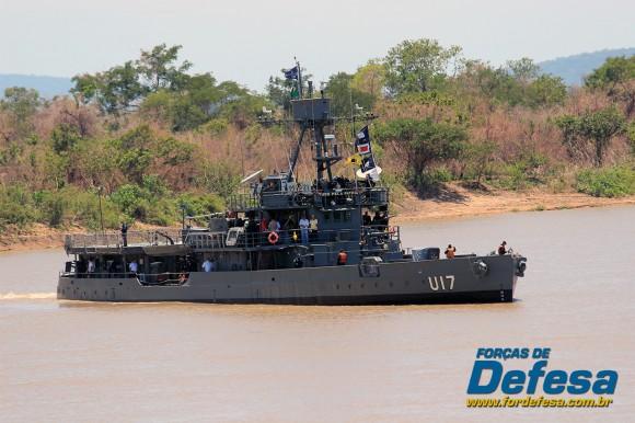 monitor Parnaíba em navegação no rio Paraguai - foto A Galante - Forças de Defesa