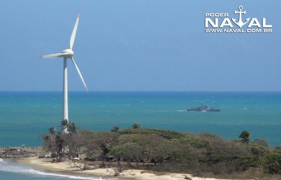 Navio patrulha classe Grajaú da MB ao largo de Fortaleza - foto Nunão - Poder Naval