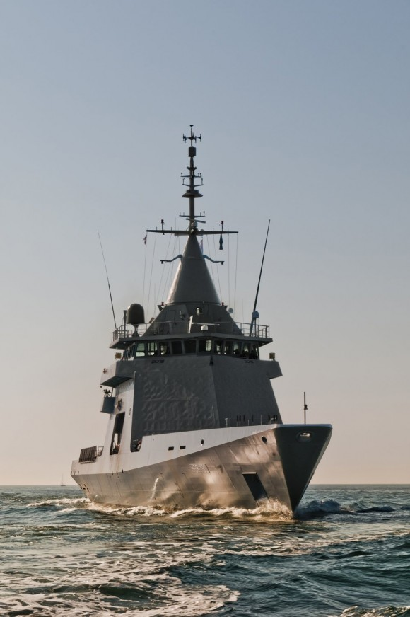 2011.10.24 - DCNS_Gowind OPV L'Adroit made available to French Navy 01-765691