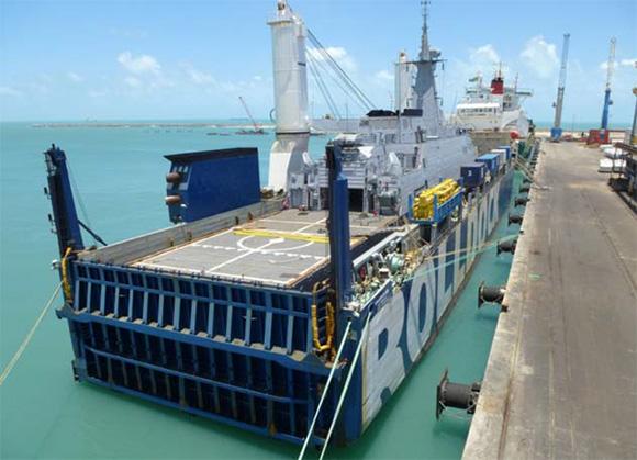 OPV Warao no porto do Mucuripe em Fortaleza-CE