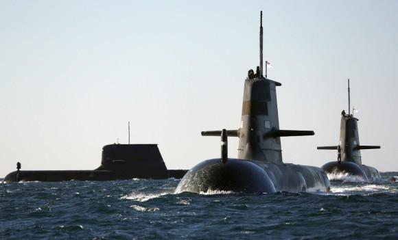 Saída tripla de submarinos australianos - foto 2 MD Australia