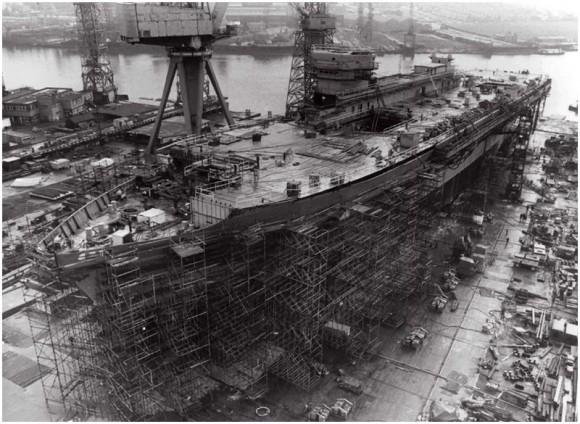 800px-HMS_Ark_Royal_-_10th_March_1981