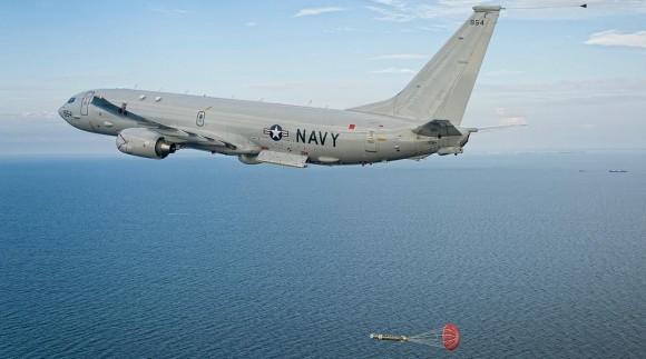 P-8A Poseidon lança torpedo - foto USN