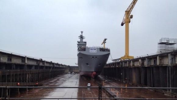 primeiro classe mistral para a russia lancado ao mar - foto DCNS