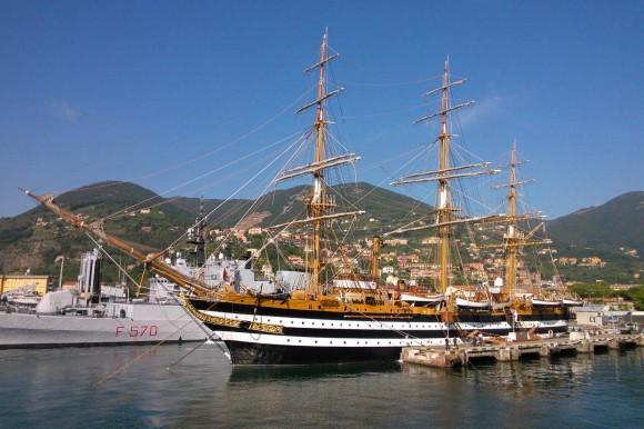 Amerigo Vespucci em La Spezia - foto Marinha Italiana