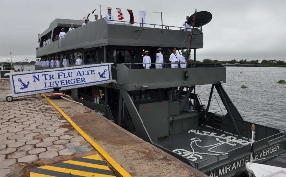 Cerimônia incorp Leverger e Caravelas em Ladário - foto 3 - Sexto Distrito Naval