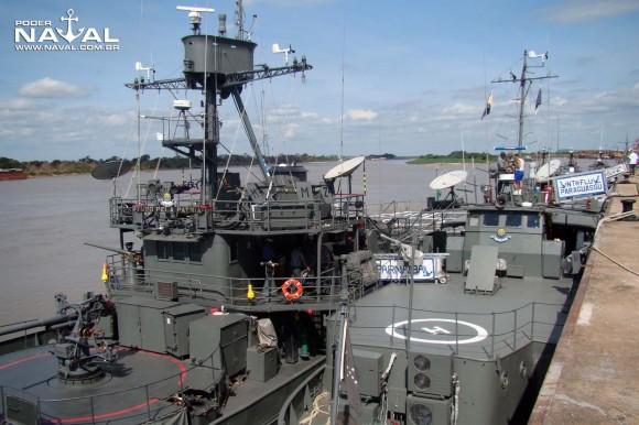 monitor Parnaíba atracado a contrabordo do transporte Paraguassu em Ladário - foto 2 Nunão - Poder Naval