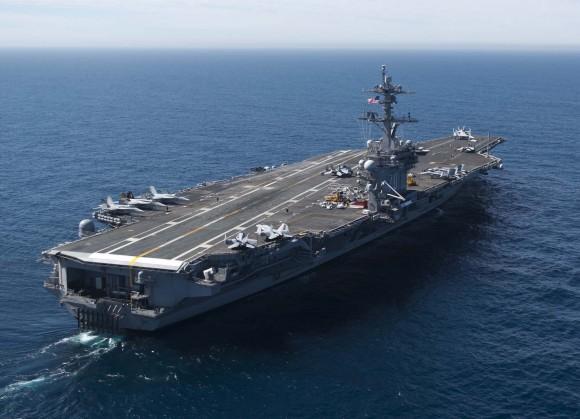 USS Carl Vinson - CVN 70 - foto USN