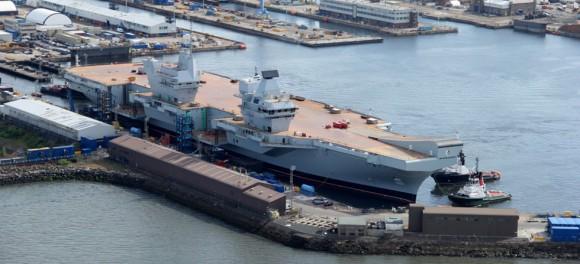 HMS Queen Elizabeth na água - foto 10 Royal Navy
