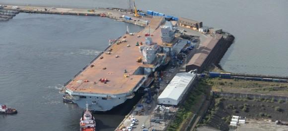 HMS Queen Elizabeth na água - foto 4 Royal Navy
