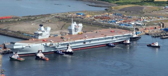 HMS Queen Elizabeth na água - foto 8 Royal Navy