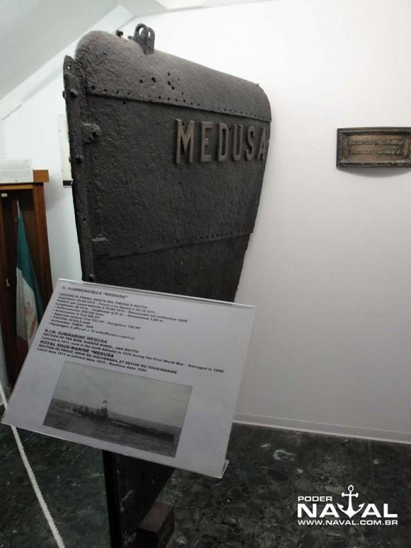 Museu Hist Naval Veneza - proa sub Medusa 1911 2 - PNaval - Nunão