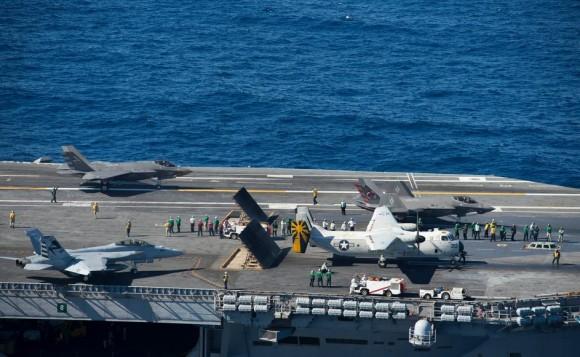 F-35C no USS Nimitz - foto 2 USN