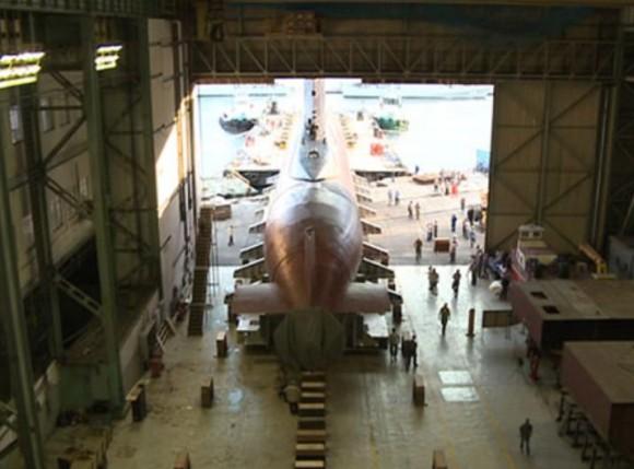 Load In submarino Tamoio para oficina - foto MB