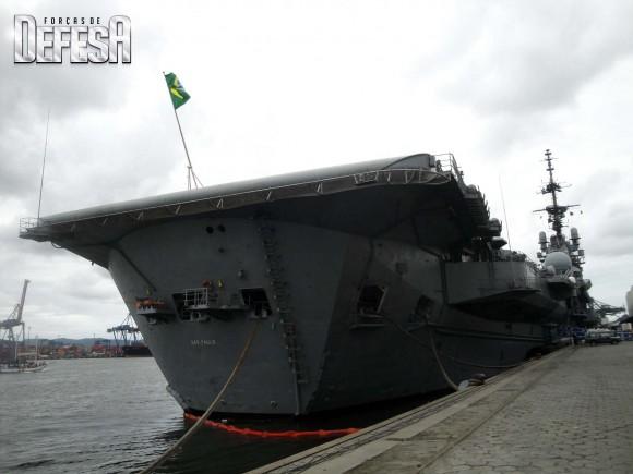 NAe São Paulo - foto 5  Nunão 2011 - Poder Naval - Forças de Defesa