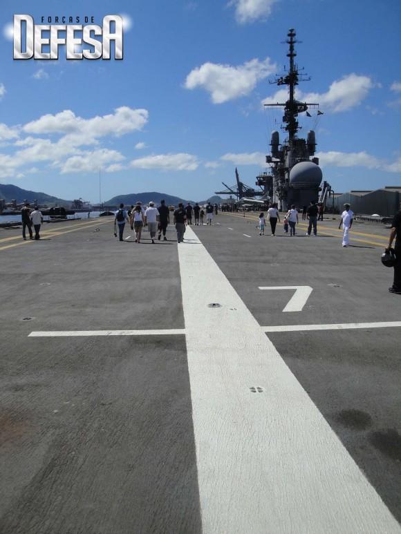 NAe São Paulo - foto 6  Nunão 2011 - Poder Naval - Forças de Defesa