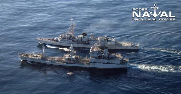 NT Gastão Motta abastece Georges Leygues - foto 2 Nunão - Poder Naval