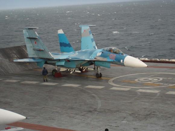 Su-33 - primeiras operações no Kuznetsov - foto 3 Sukhoi