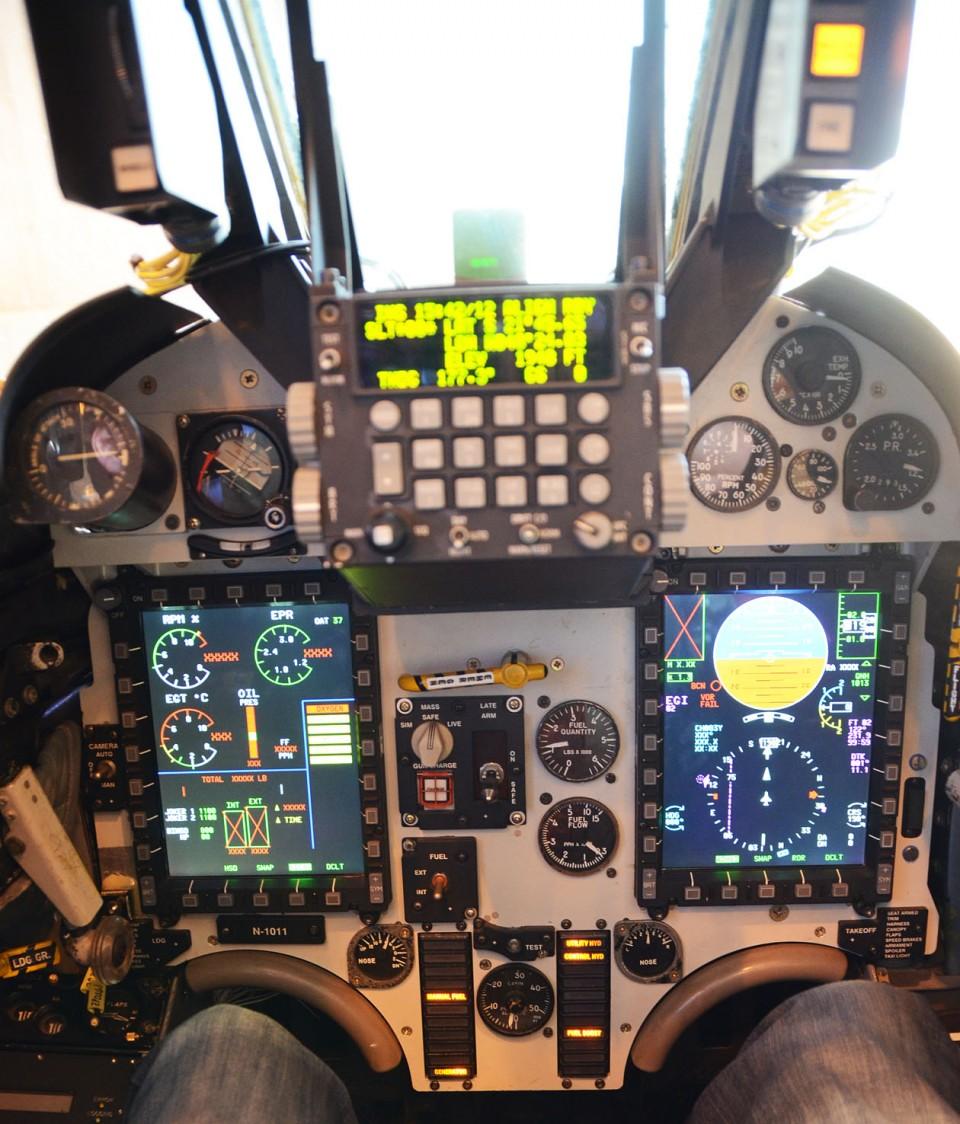 Novo cockpit do AF-1