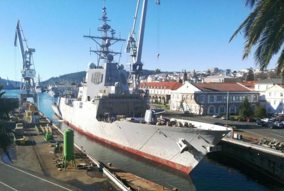 Fragata Cristobal Colon - classe F-100 - em dique - foto Navantia