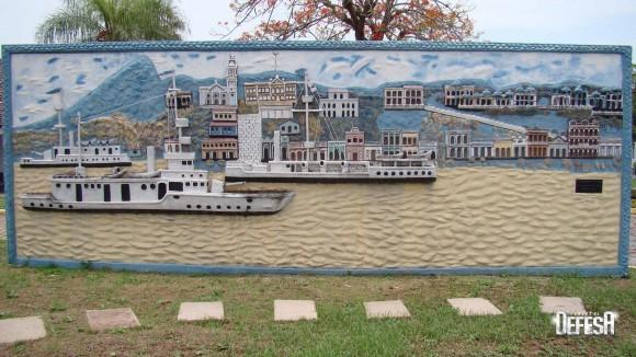 Obra com os três monitores da Flotilha de Mato Grosso de Izulina Gomes Xavier na Base Fluvial de Ladário - foto Nunão - Forças de Defesa