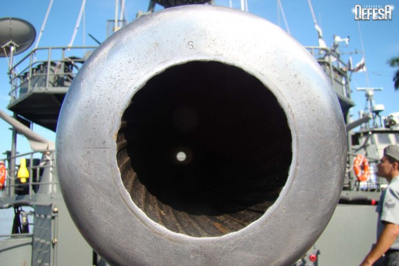 Parnaíba - canhão de 76mm - foto 3 Nunão - Poder Naval - Forças de Defesa