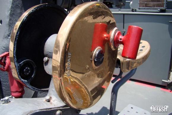 Parnaíba - canhão de 76mm - foto 8 Nunão - Poder Naval - Forças de Defesa