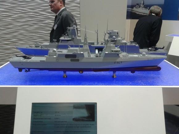 Maquete da fragata classe Valour da Marinha da África do Sul