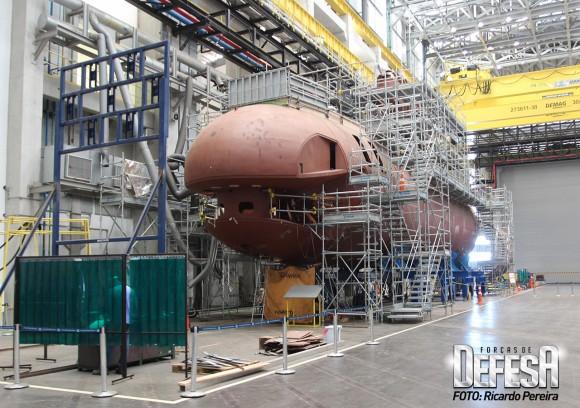 O primeiro submarino S-BR em construção em Itaguaí-RJ - Foto Ricardo Pereira