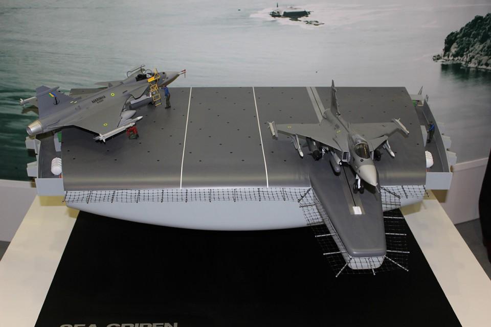 Sea Gripen da MB na LAAD 2015 - 3