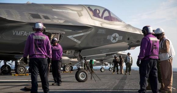 F-35 operando no USS Wasp 18-5-2015 - foto 2 USMC