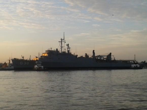 NDD Ceará atracando na Base Naval de Val de Cães, em Belém do Pará - 2