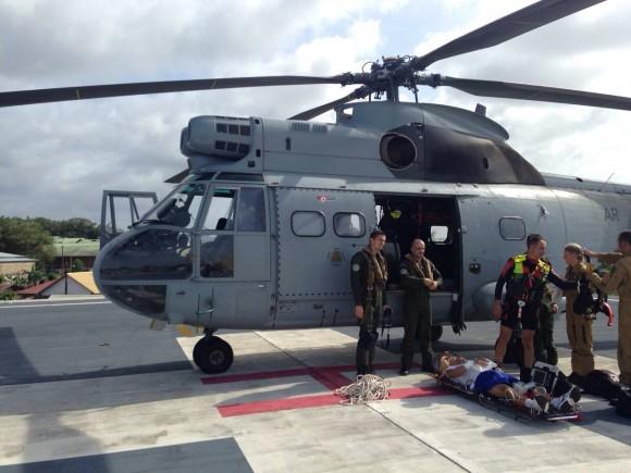 Puma francês realiza EVAM de militar brasileira acidentado a bordo do NDD Ceará