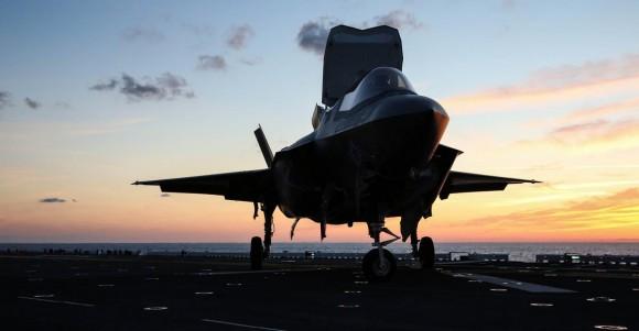 F-35B no convoo do USS Wasp - foto USMC
