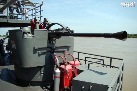 Parnaíba - canhão 40mm BE - foto Nunão - Poder Naval - Forças de Defesa