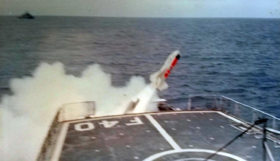 Lançamento de míssil Ikara - Foto Alexandre Galante