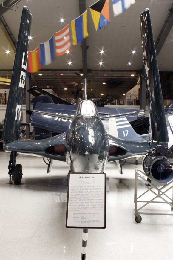 McDonnell XFD-1 Phantom - 4