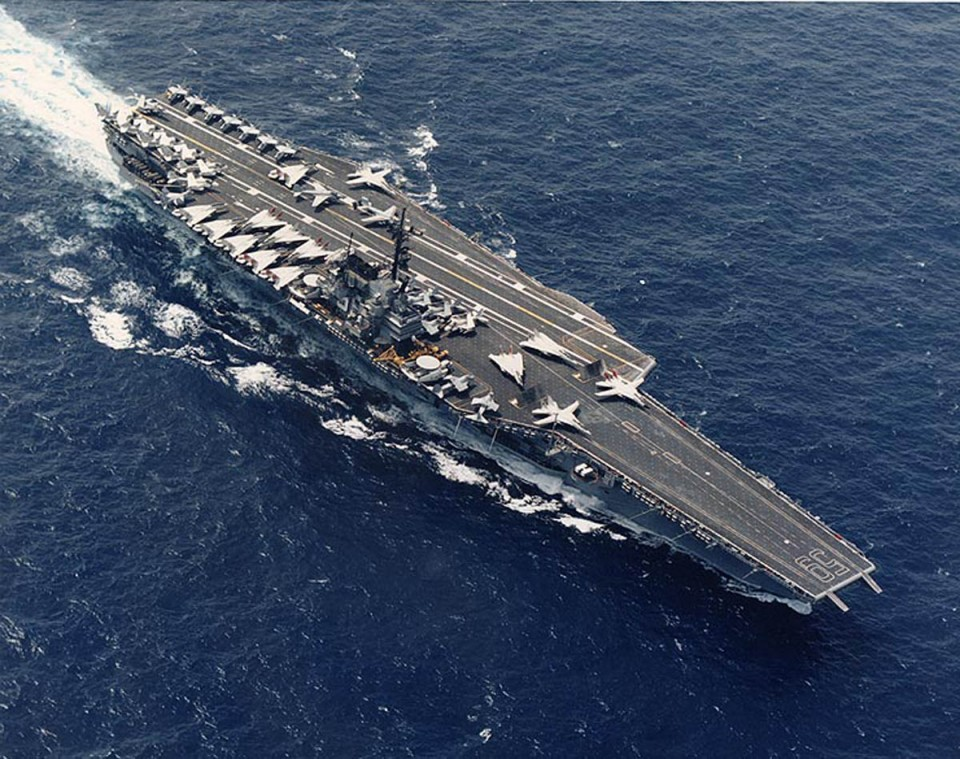 USS Forrestal em 1997